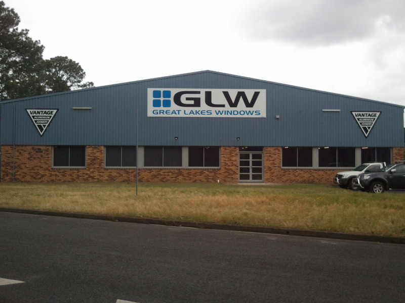 great lakes windows four over one showroom great lakes windows fabricators elevate aluminium systems aws